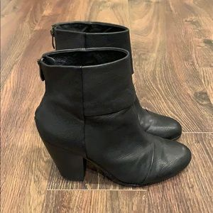Vince Camuto Black Heeled Bootie W/ Zipper Back
